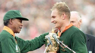 DEUTSCHLANDPREMIERE: Der 16. Mann - Mandela und die Springboks (MI 16. JUN)