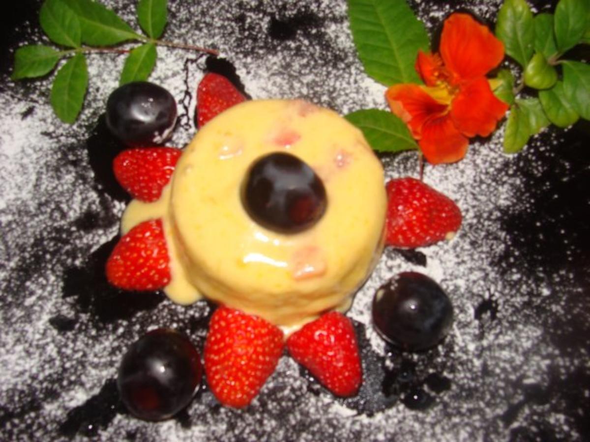 nachtisch mangocreme mit erdbeeren rezept. Black Bedroom Furniture Sets. Home Design Ideas