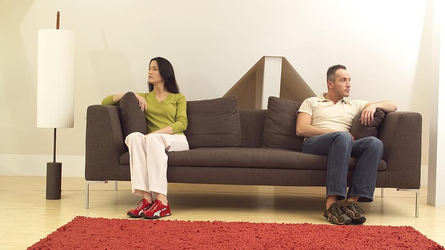 streit im m belhaus weshalb daran sogar beziehungen zugrunde gehen. Black Bedroom Furniture Sets. Home Design Ideas